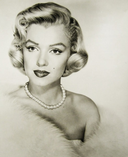 marilyn black and white most beautiful pic ever