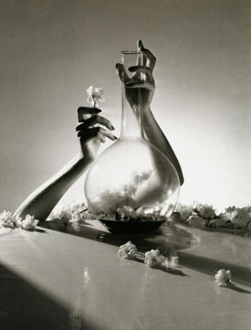 Horst P. Horst Lisa Fonssagrives' Hands, New York, 1941